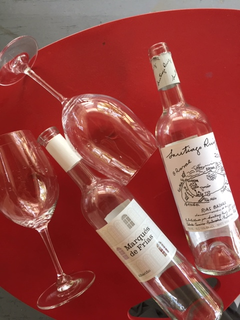 Albarino bottles med